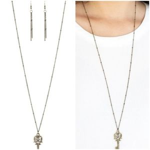 THE MAGIC KEY BRASS NECKLACE/EARRING SET